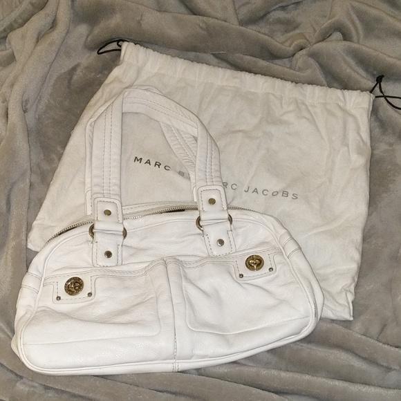 062087f0926 ... White Leather Handbag. Marc By Marc Jacobs. M_5c60e13d8ad2f9110f6074ce.  M_5c60e157f63eeadd9dfbbd32. M_5c60e1960cb5aa9fb88039de